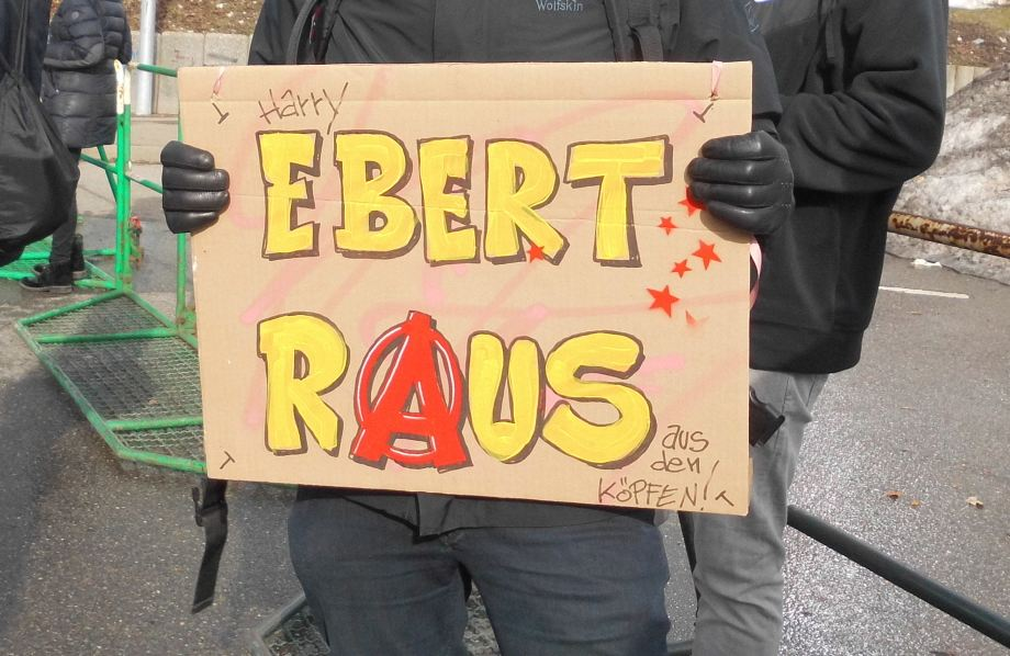 Ebert raus!